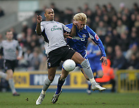 Photo: Lee Earle.<br /> Millwall v Everton. The FA Cup. 07/01/2006. Everton's Marcus Bent (L) gets ahead of Zak Whitbread.