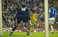Photo: Glyn Thomas.<br />Birmingham City v Norwicht. Carling Cup.<br />26/10/2005.<br /> Norwich's Dean Ashton (C) scores his team's equaliser.