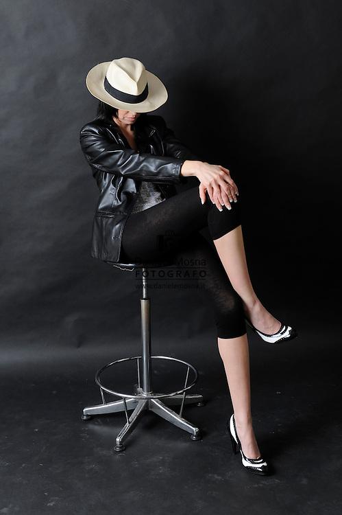 Foto in Studio con modella,