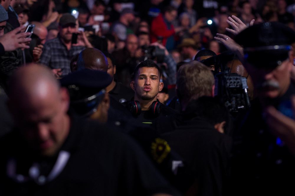 DALLAS, TX - MARCH 14:  Anthony Pettis walks to the octagon before his fight with Rafael Dos Anjos during UFC 185 at the American Airlines Center on March 14, 2015 in Dallas, Texas. (Photo by Cooper Neill/Zuffa LLC/Zuffa LLC via Getty Images) *** Local Caption *** Anthony Pettis