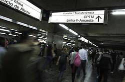 March 29, 2019 - SãO Paulo, Brazil - SÃO PAULO, SP - 29.03.2019: PANES NO METRÔ E CPTM CRESCEM - Movement of people in the Estação da Luz, central region of the state capital, on the afternoon of this Friday (29). Subway breads and CPTM grew by 150% (Credit Image: © Bruno Rocha/Fotoarena via ZUMA Press)