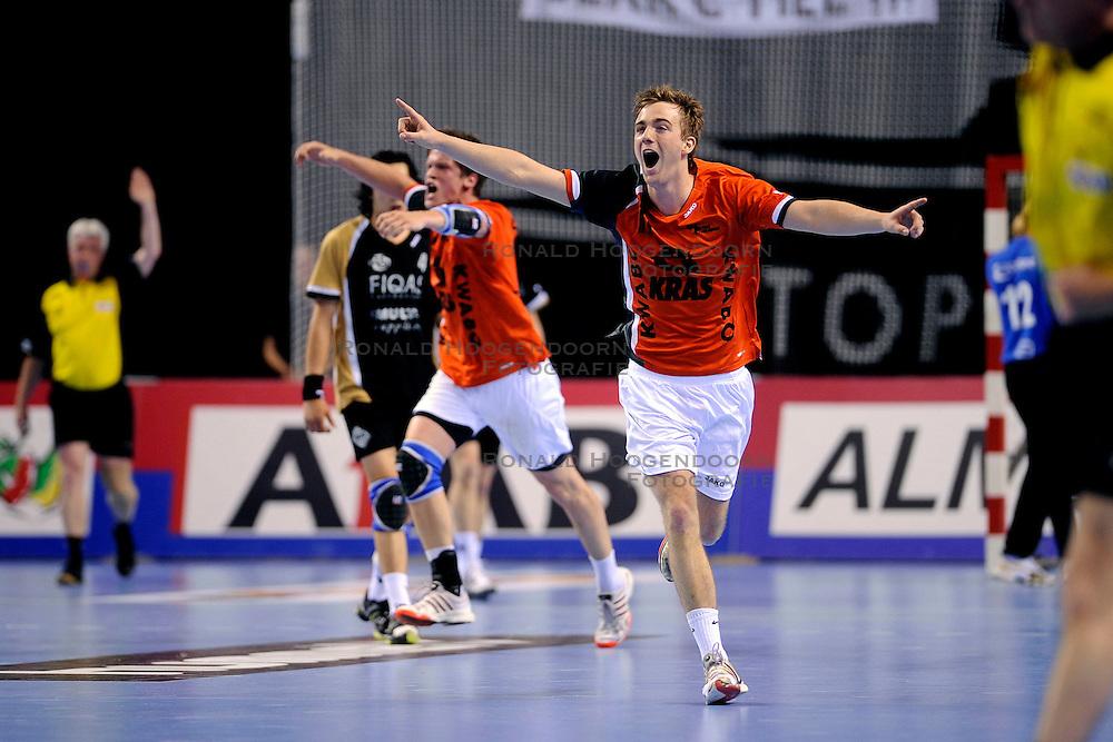 21-05-2009 HANDBAL: FIQUAS AALSMEER - KRAS VOLENDAM: ALMERE<br /> Volendam wint de bekerfinale in de verlenging met 32-29 van Aalsmeer / Bobby Schagen<br /> ©2009-WWW.FOTOHOOGENDOORN.NL