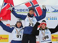 Telemark<br /> VM 2009<br /> Murau Østerrike<br /> 24.01.2009<br /> Foto: Gepa/Digitalsport<br /> NORWAY ONLY<br /> <br /> FIS Weltmeisterschaft 2009 Kreischberg, klassik Sprint, Herren, Siegerehrung. Bild zeigt den Jubel von Eirik Rykhus, Børge Søvik (NOR) und Mattias Wagenius (SWE)