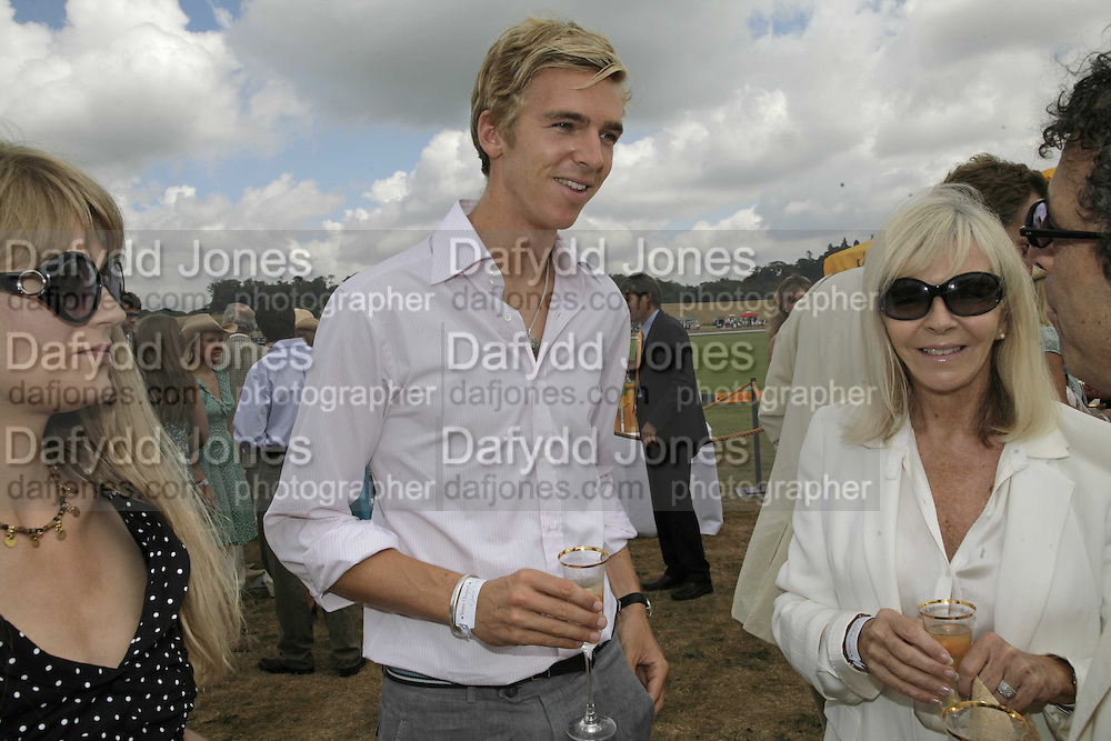 James Cook and his mother Adrienne Cook, Veuve Clicquot Gold Cup 2006. Final day. 23 July 2006. ONE TIME USE ONLY - DO NOT ARCHIVE  © Copyright Photograph by Dafydd Jones 66 Stockwell Park Rd. London SW9 0DA Tel 020 7733 0108 www.dafjones.com
