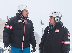 08.10.2013, Moelltaler Gletscher, Flattach, AUT, OeSV Medientag, im Bild v.l. ÖSV Herren-Cheftrainer Mathias Berthold, ÖSV Europacup Gruppentrianer Martin Sprenger // ÖSV Herren-Cheftrainer Mathias Berthold ÖSV Europacup Gruppentrianer Martin Sprenger, during the media day of Austrian Ski Federation OeSV at Moelltaler glacier in Flattach, Austria on 2013/10/08. EXPA Pictures © 2013, PhotoCredit: EXPA/ Johann Groder
