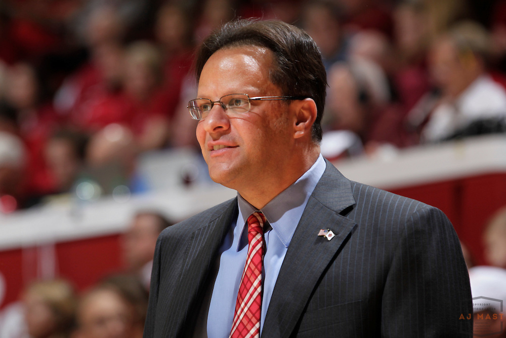 09 November 2012: Indiana head coach Tom Crean as the Indiana Hoosiers played the Bryant Bulldogs in Bloomington, Ind.09 November 2012: as the Indiana Hoosiers played the Bryant Bulldogs in Bloomington, Ind.