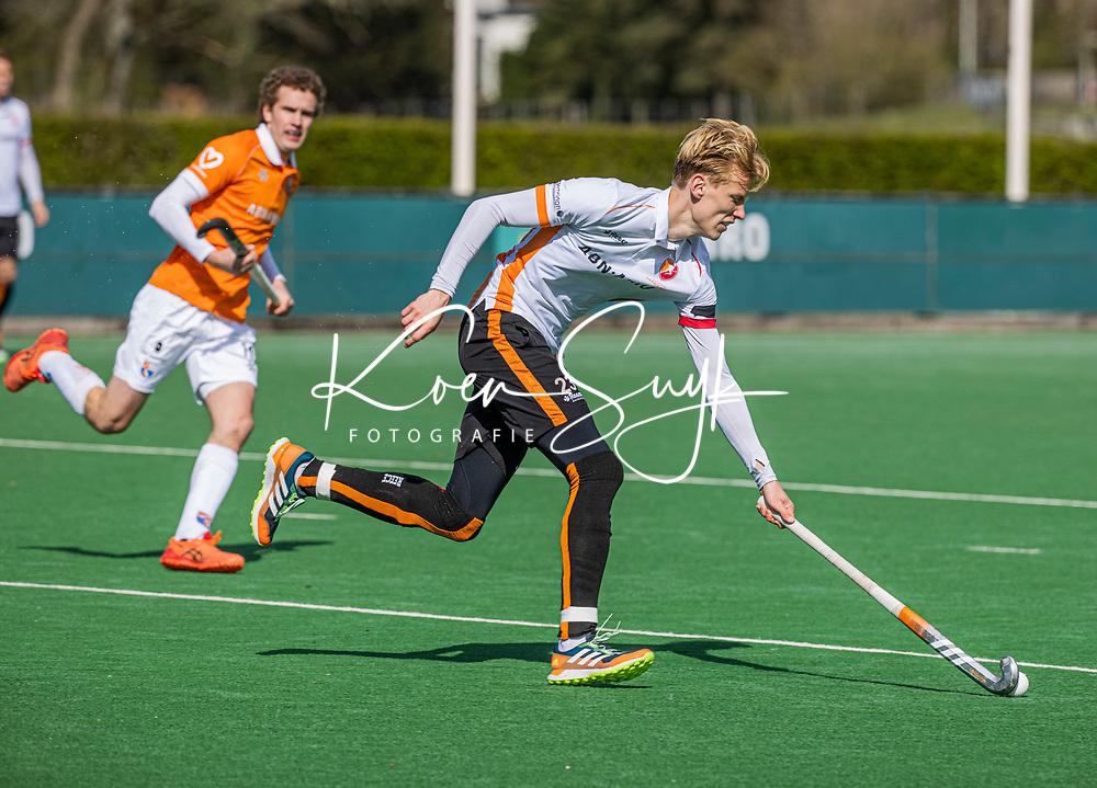 BLOEMENDAAL - Joep de Mol (Oranje Rood) tijdens de hoofdklasse hockeywedstrijd dames , Bloemendaal-Oranje Rood  (3-1).  COPYRIGHT  KOEN SUYK