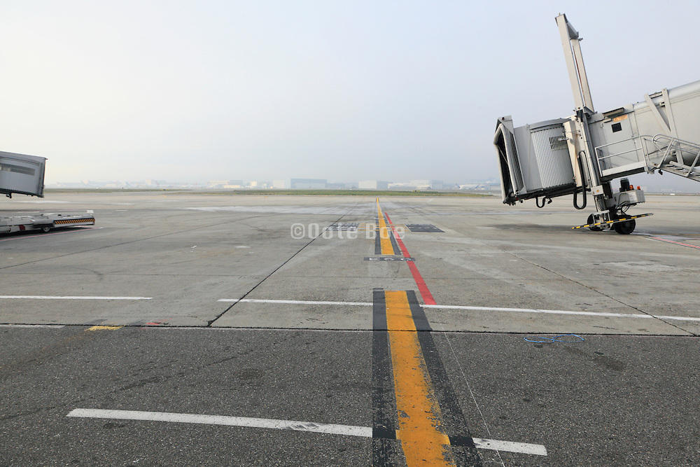 gate at Toulouse Plagnac airport
