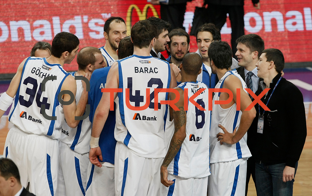 Anadolu Efes's players during their Turkish Basketball League match Anadolu Efes between Mersin BSB at Sinan Erdem Arena in Istanbul, Turkey, Saturday, January 14, 2012. Photo by TURKPIX