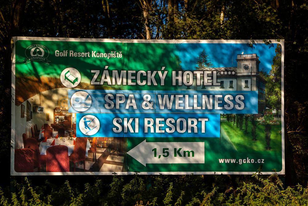 19-09-2015: Golf & Spa Resort Konopiste in Benesov, Tsjechië.<br /> Foto: Bord van Golf Resort Konopiste
