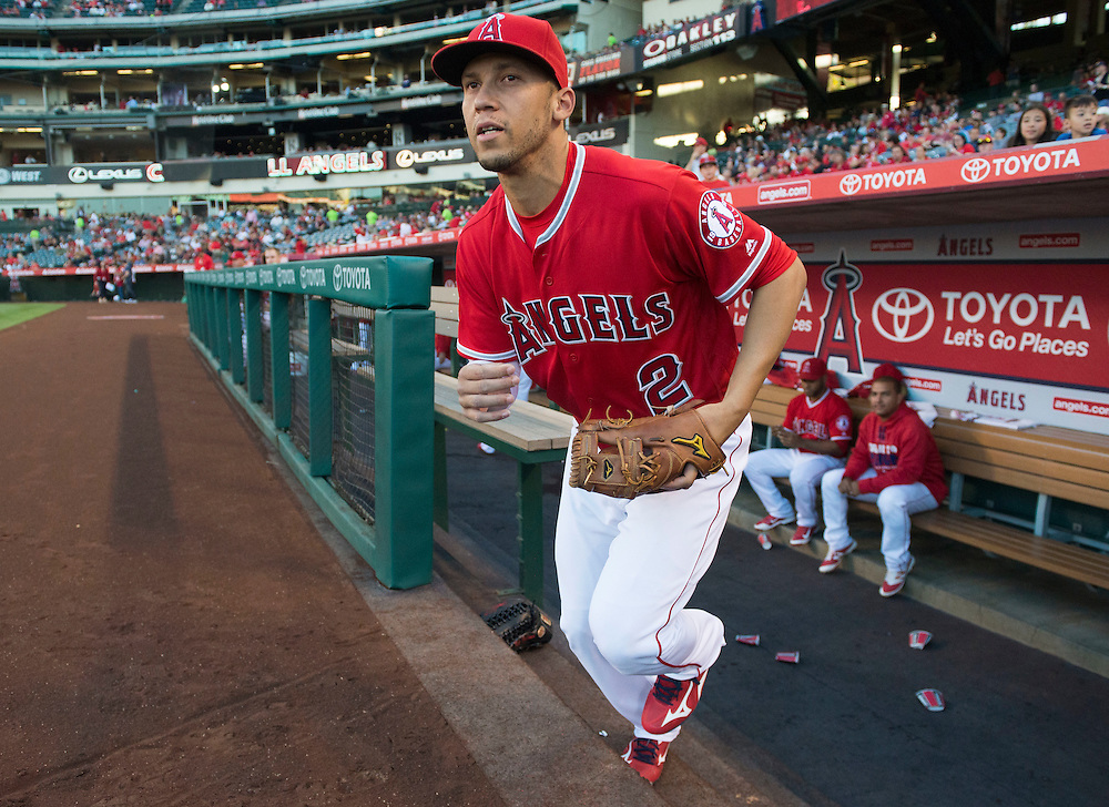 The Angels' Andrelton Simmons takes the field for the first time since coming of the disabled list before the Angels 10-2 victory over the Minnesota Twins Wednesday at Angel Stadium.<br /> <br /> ///ADDITIONAL INFO:   <br /> <br /> angels.0616.kjs  ---  Photo by KEVIN SULLIVAN / Orange County Register  -- 6/15/16<br /> <br /> The Los Angeles Angels take on the Minnesota Twins Wednesday at Angel Stadium.
