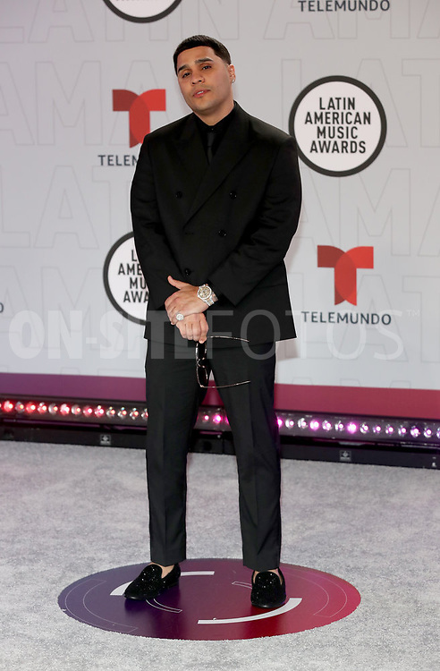 """2021 LATIN AMERICAN MUSIC AWARDS -- """"Red Carpet"""" -- Pictured: Juhn at the BB&T Center in Sunrise, FL on April 15, 2021 -- (Photo by: Aaron Davidson/Telemundo)"""