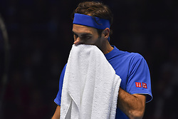 November 15, 2018 - London, England, United Kingdom - Roger Federer of Switzerland wipes off his face during his round robin match against Kevin Anderson of South Africa during Day Five of the Nitto ATP Finals at The O2 Arena on November 15, 2018 in London, England. (Credit Image: © Alberto Pezzali/NurPhoto via ZUMA Press)