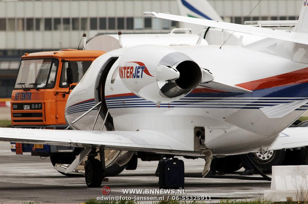 Zakenvliegtuig Rotterdam Airport.trap, tanken