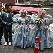 Huwelijk Patrick Kluivert en Angela van Hulten Amsterdam, zoon Quincy 2de van links