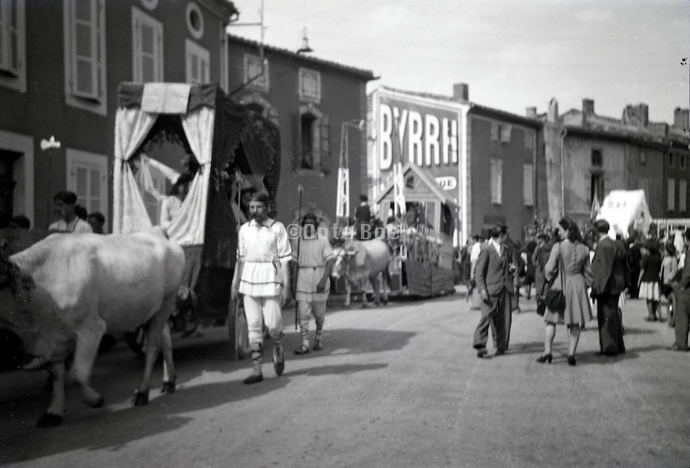 preparing for the street parade France 1950s 1960s