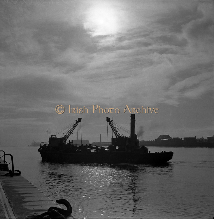 An early morning view on the river at Dublin Docks.20/05/1957Irish  old photos  of Dublin Docks,  Ireland
