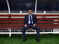 Photo: Daniel Hambury.<br />Fulham v Chelsea. The Barclays Premiership. 23/09/2006.<br />Chelsea's manager Jose Mourinho sits alone on the bench.