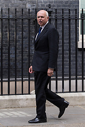 © Licensed to London News Pictures . 11/05/2015 . London , UK . IAIN DUNCAN SMITH arrives at 10 Downing Street this afternoon (11th May 2015) . Photo credit : Joel Goodman/LNP