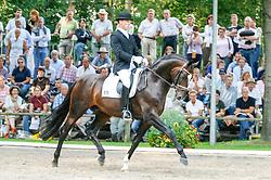, Warendorf - Bundeschampionate 06 - 10.09.2006, Sir Donnerhall - Möller Dr., Ulf - ChampionatssiegerȺ