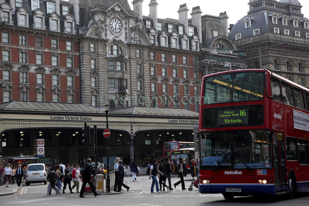 21 April 2011. London, England..Victoria Station, one of England's largest train, tube and bus stations..Photo; Charlie Varley.
