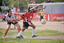 Lance da partida entre as equipes do Duda A x Farroupilha válida pela Copa Coca-Cola, no campo do Piriquito, neste sábado 10/09/2011, em Porto Alegre Alegre. FOTO: Jefferson Bernardes/Preview.com