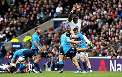 Maro Itoje of England tries to charge down a kick by Edoardo Gori of Italy - Mandatory by-line: Robbie Stephenson/JMP - 26/02/2017 - RUGBY - Twickenham Stadium - London, England - England v Italy - RBS 6 Nations round three