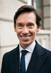 © Licensed to London News Pictures. 05/06/2019. London, UK. Secretary of State for International Development Rory Stewart arrives to speak at an impromptu event in Central London this evening, as part of his #RoryWalks series. The Conservative MP is campaigning to become the new British Prime Minister, as current British Prime Minister Theresa May is due to stand down on Friday 7 June. Photo credit : Tom Nicholson/LNP