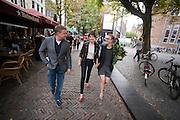 Na afloop van het onthullen van de tegel lopen Rene Mioch en Carice van Houten door Utrecht. Carice van Houten en Barry Atsma onthullen een tegel met hun handafdruk op de Utrechtse walk of fame aan de Vinkeburgstraat. <br /> <br /> Carice van Houten is walking with Rene Mioch in Utrecht after she and actor Barry Atsma have uncovered their golden tile with their handprint on the walk of fame in Utrecht.
