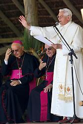 O Papa Bento XVI durante visita à Fazenda Esperança, em Guaratinguetá (SP), município onde nasceu Frei Galvão, primeiro santo brasileiro. FOTO: Jefferson Bernardes/Preview.com