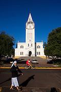 Araxa_MG, Brasil...Freira em frente a igreja Matriz de Sao Domingos...A nun in front of  the Sao Domingos church...Foto: MARCUS DESIMONI / NITRO