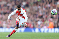 Alexis Sanchez of Arsenal taking a free kick. Premier league match, Arsenal v Middlesbrough at the Emirates Stadium in London on Saturday 22nd October 2016.<br /> pic by John Patrick Fletcher, Andrew Orchard sports photography.