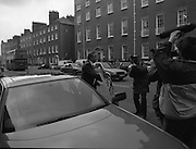 Albert Reynolds Presents Budget   (R95)..1989..25.01.1989..01.25.1989.25th January 1989..Today saw the presentation of the Budget of Albert Reynolds,TD, Minister for Finance. Mr Reynolds will present his budget to the Dáil this afternoon...Image shows Mr Reynolds arriving at the Department of Finance prior to going to the Dáil to present his budget speech.