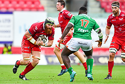 Jake Ball of Scarlets in action during todays match<br /> <br /> Photographer Craig Thomas/Replay Images<br /> <br /> Guinness PRO14 Round 3 - Scarlets v Benetton Treviso - Saturday 15th September 2018 - Parc Y Scarlets - Llanelli<br /> <br /> World Copyright © Replay Images . All rights reserved. info@replayimages.co.uk - http://replayimages.co.uk