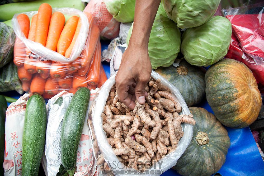 Fresh vegetables in Manila's Chinatown, Ongpin street.