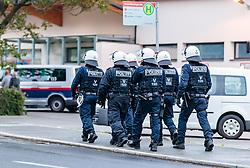 THEMENBILD - Polizisten der Einsatzeinheit in Schutzkleidung und Helm, aufgenommen am 03. Mai 2018 in Salzburg, Österreich // Policemen of the Riot unit in protective clothing and helmet, Salzburg, Austria on 2018/05/03. EXPA Pictures © 2018, PhotoCredit: EXPA/ JFK