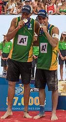 31.07.2016, Strandbad, Klagenfurt, AUT, FIVB World Tour, Beachvolleyball Major Series, Klagenfurt, Herren, im Bild Gustavo Carvalhaes (1, BRA), Saymon Barbosa Santos (2, BRA) // during the FIVB World Tour Major Series Tournament at the Strandbad in Klagenfurt, Austria on 2016/07/31. EXPA Pictures © 2016, PhotoCredit: EXPA/ Lisa Steinthaler