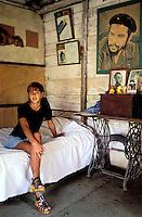 Cuba, Cienfuego, Che Guevara, Marinela, Baños Colina,  Jeune fille. // Cuba, Cienfuego, Che Guevara, Marinela Baños Colina