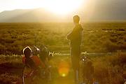 Wil Baselmans van het Human Power Team Delft en Amsterdam is bezig met de warming up. Naast hem staat zijn trainer Jeroen van de Kalle. Het team, bestaande uit studenten van de TU Delft en de VU Amsterdam wi het record breken van 133 km/h. In Battle Mountain (Nevada) wordt ieder jaar de World Human Powered Speed Challenge gehouden. Tijdens deze wedstrijd wordt geprobeerd zo hard mogelijk te fietsen op pure menskracht. Ze halen snelheden tot 133 km/h. De deelnemers bestaan zowel uit teams van universiteiten als uit hobbyisten. Met de gestroomlijnde fietsen willen ze laten zien wat mogelijk is met menskracht. De speciale ligfietsen kunnen gezien worden als de Formule 1 van het fietsen. De kennis die wordt opgedaan wordt ook gebruikt om duurzaam vervoer verder te ontwikkelen.<br /> <br /> Wil Baselmans of the Human Power Team Delft and Amsterdam is warming up. Next to him stands his trainer Jeroen van de Kalle. The team, with students of the TU Delft and de VU Amsterdam, wants to set a  new world record. In Battle Mountain (Nevada) each year the World Human Powered Speed Challenge is held. During this race they try to ride on pure manpower as hard as possible. Speeds up to 133 km/h are reached. The participants consist of both teams from universities and from hobbyists. With the sleek bikes they want to show what is possible with human power. The special recumbent bicycles can be seen as the Formula 1 of the bicycle. The knowledge gained is also used to develop sustainable transport.