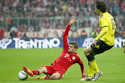 19.11.2011, Allianz Arena, Muenchen, GER, 1.FBL, FC Bayern Muenchen vs Borussia Dortmund, im Bild Thomas Mueller (Bayern #25) im kampf mit Mats Hummels (BVB #15) // during the match FC Bayern Muenchen vs  Borussia Dortmund, on 2011/11/19, Allianz Arena, Munich, Germany. EXPA Pictures © 2011, PhotoCredit: EXPA/ nph/ Straubmeier..***** ATTENTION - OUT OF GER, CRO *****