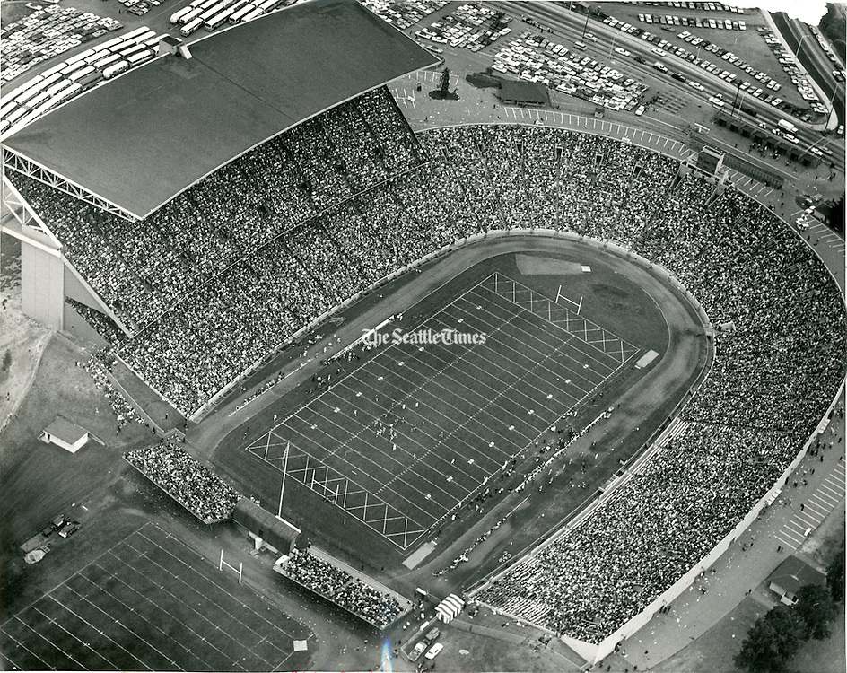 In 1965, 53,000 fans all but filled the University of Washington Stadium to see the Huskies defeat the University of Idaho, 19 to 7, in the season opener.<br /> Pete Liddell / The Seattle Times