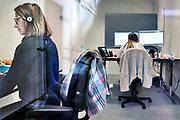 Nederland, Nijmegen, 23-11-2020 Bron en contactonderzoek bij de GGD . telefonisch worden positief geteste mensen benaderd voorhet doorgeven van hun contacten de afgelopen tijd.Foto: ANP/ Hollandse Hoogte/ Flip Franssen