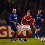 NLD/Alkmaar/20051124 - Voetbal, AZ - Middlesborough, Mark Viduka (36) en Stijn Schaars (23)