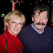 NLD/Hilversum/20111115 - Boekpresentatie Zangeres Zonder Naam van Ben Holthuis, Chiel Montagne en partner Tilly