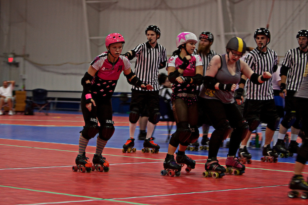 The Shade Brigade Chicago Outfit, from Chicago, Illinois take on the Scream Puffz Fox Cityz Foxz, from Appleton, Wisconsin, in the final bout of the Screw City Smackdown Tournament.  The Shade Brigade prevailed to win the 8 team, double elimination tournament.
