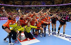 18-12-2015 DEN: World Championships Handball 2015 Poland  - Netherlands, Herning<br /> Halve finale - Nederland staat in de finale door Polen met 30-25 te verslaan / Teamfoto Nederland