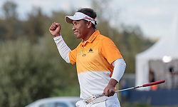 27.09.2015, Beckenbauer Golf Course, Bad Griesbach, GER, PGA European Tour, Porsche European Open, im Bild Jubel von Sieger Thongchai Jaidee (THA) // Winner Thongchai Jaidee (THA) celebrates during the European Tour, Porsche European Open Golf Tournament at the Beckenbauer Golf Course in Bad Griesbach, Germany on 2015/09/27. EXPA Pictures © 2015, PhotoCredit: EXPA/ JFK