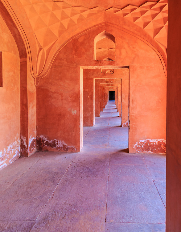 Hujra rooms in the forecourt (Jilaukhana) in Taj Mahal in Agra, India. Rooms were used by architects and craftsmen during the building of the Taj Mahal.