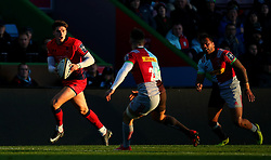 Ben Howard of Worcester Warriors runs with the ball - Mandatory by-line: Robbie Stephenson/JMP - 12/11/2017 - RUGBY - Twickenham Stoop - London, England - Harlequins v Worcester Warriors - Anglo-Welsh Cup