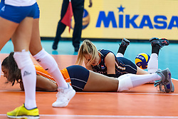 11-10-2018 JPN: World Championship Volleyball Women day 12, Nagoya<br /> Netherlands - Serbia 3-0 / Celeste Plak #4 of Netherlands, Kirsten Knip #1 of Netherlands